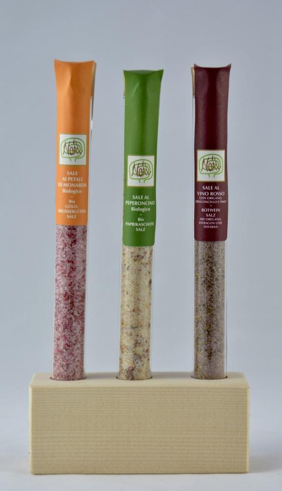 Holzsockel mit 3 verschiedene Salzmischungen